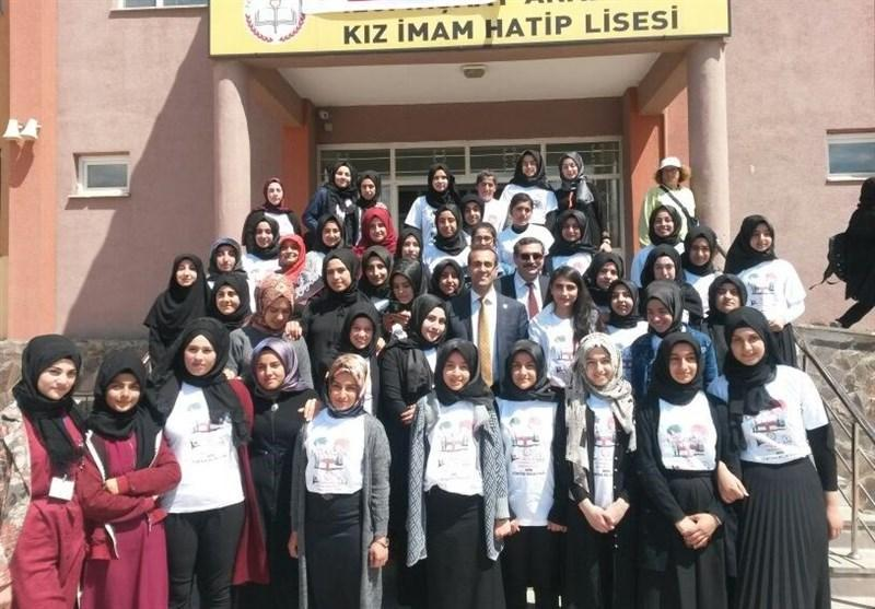 گزارش، نظام آموزشی ترکیه و دوقطبی محافظه کاران و کمالیست ها