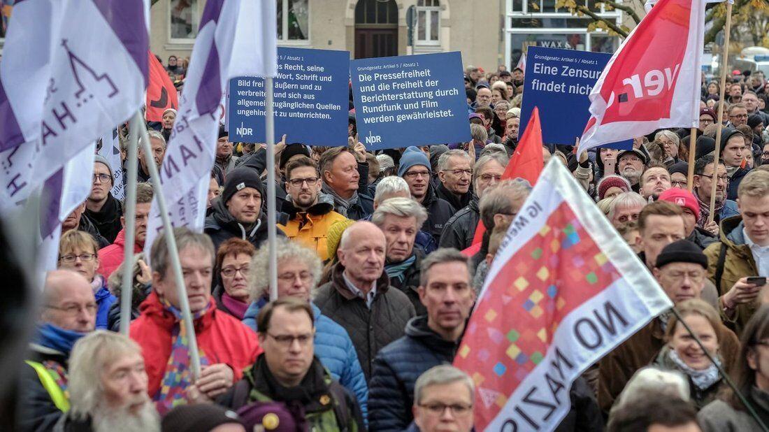 تظاهرات هزاران آلمانی علیه راستگرایان افراطی