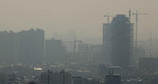 مقصر آلودگی هوا بنزین است یا خودرو های فرسوده؟